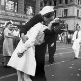 Kissing the War Goodbye in Times Square